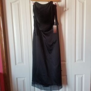 Raylia Designs Black Gown New With Tag
